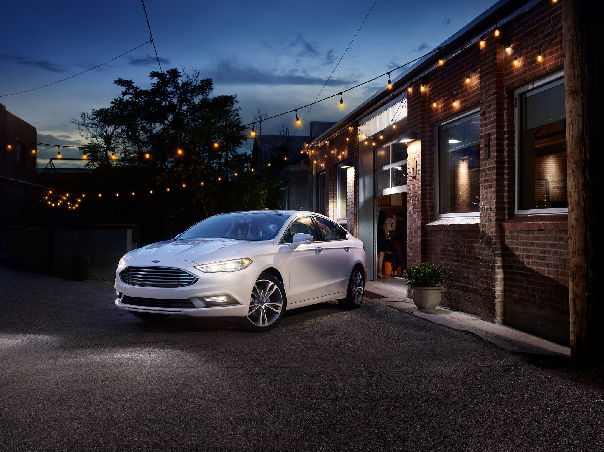 The 2018 Ford Fusion is loaded with luxurious features.